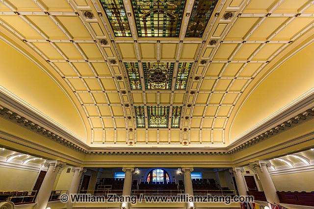 Ceiling of Alberta Legislative Chamber holds 600 light bulbs